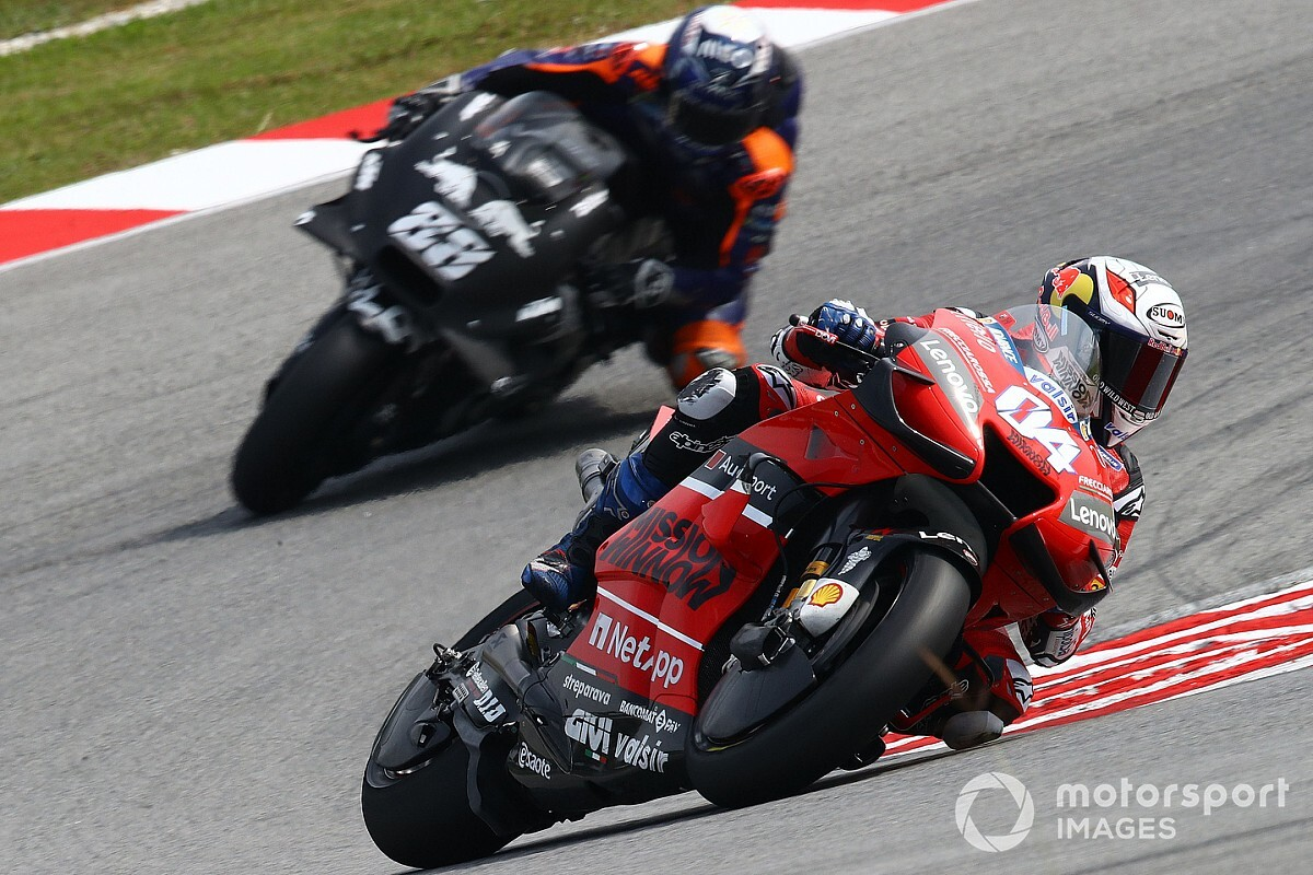 Tại sao Andrea Dovizioso & Valentino Rossi vẫn chưa ký hợp đồng cho năm 2021?