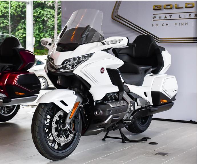 Ngắm Honda Gold Wing 2020 đầu tiên về Việt Nam kèm giá bán