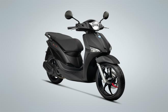 Piaggio ra mắt Liberty S Black Series cạnh tranh Honda SH Mode 2020