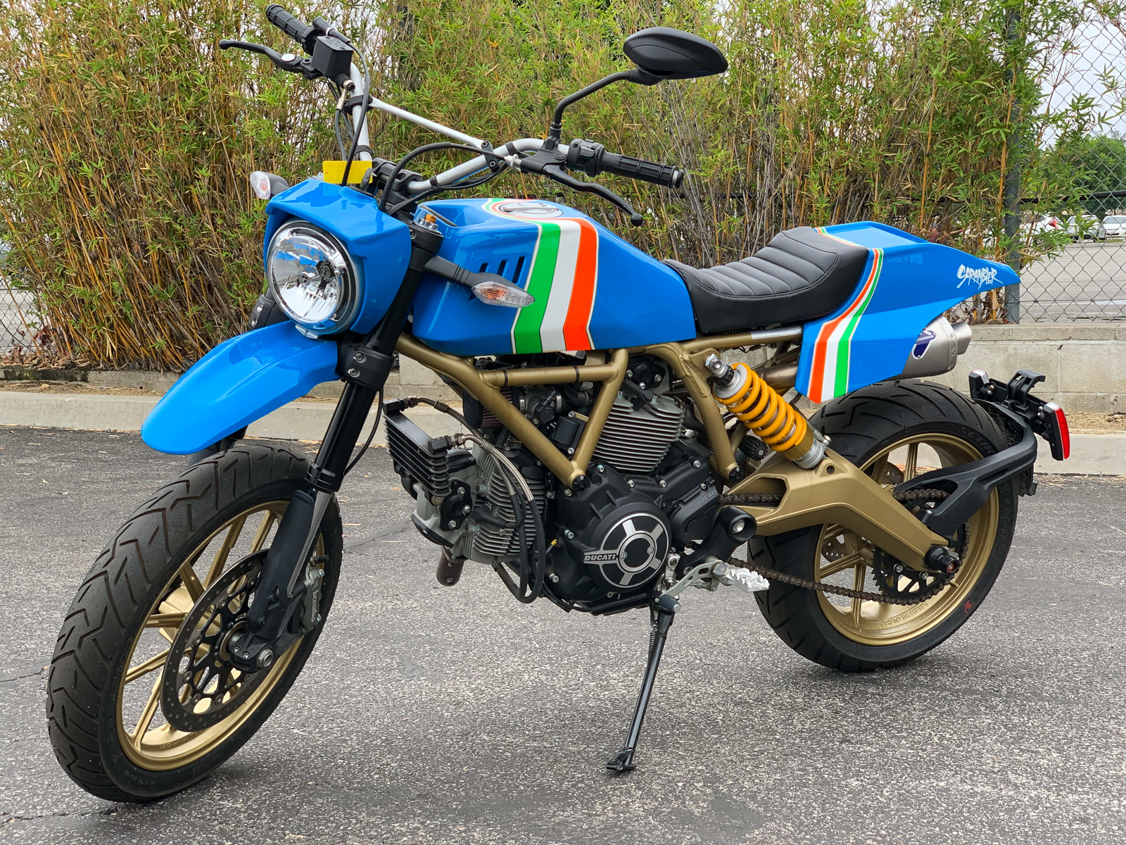 Bản custom Ducati Scrambler theo phong cách Dual-sport thập niên 80