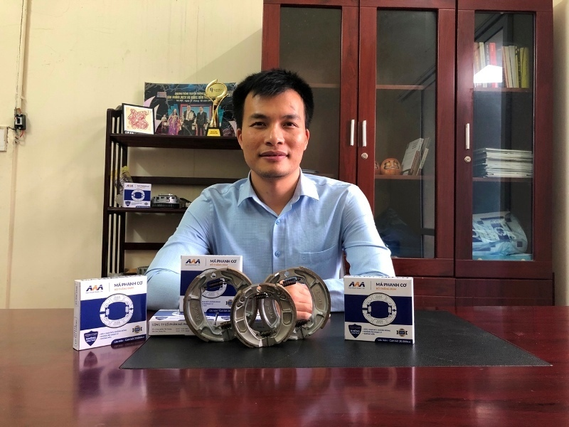 Made in Vietnam: má phanh xe máy Nam Khánh làm từ bã cà phê