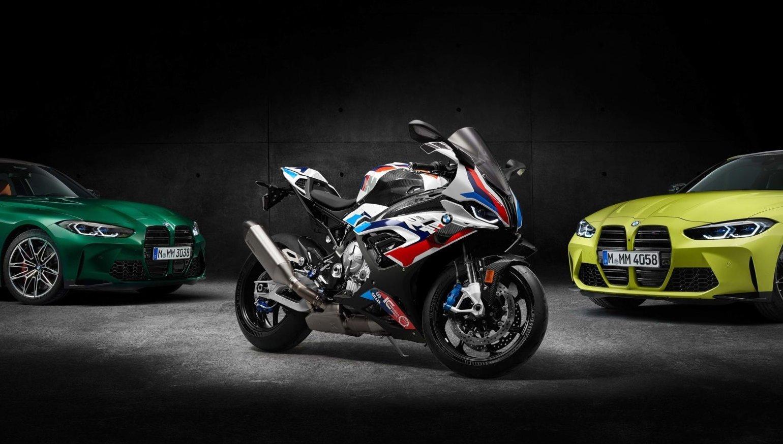 BMW M 1000 RR 2021 chính thức trình làng với huy hiệu M đầu tiên