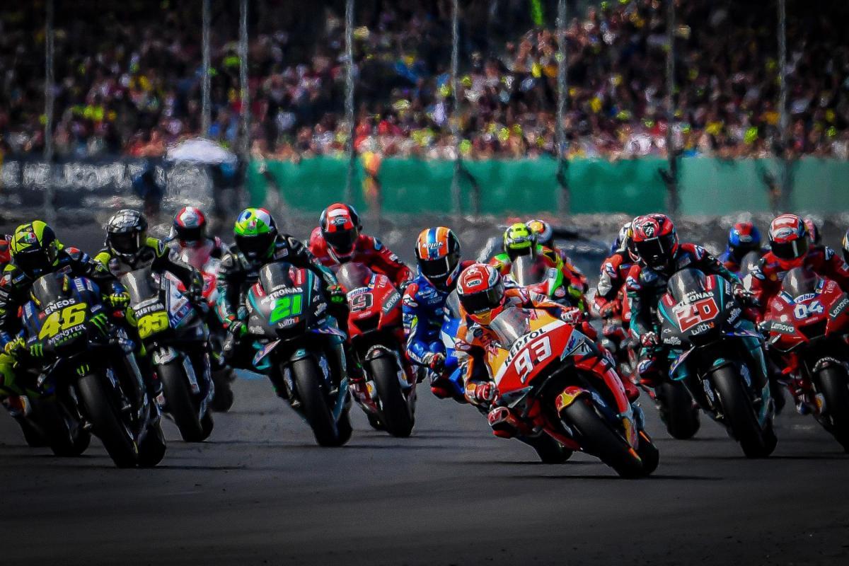 Soi mức lương khủng của các tay đua mùa giải MotoGP 2020!