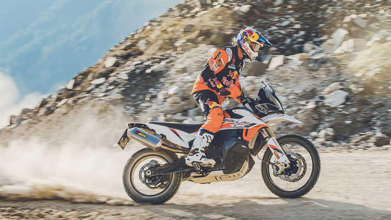 KTM bất ngờ ra mắt 890 Adventure R / R Rally - Đánh mạnh vào phân khúc xe Adventure phân khối lớn