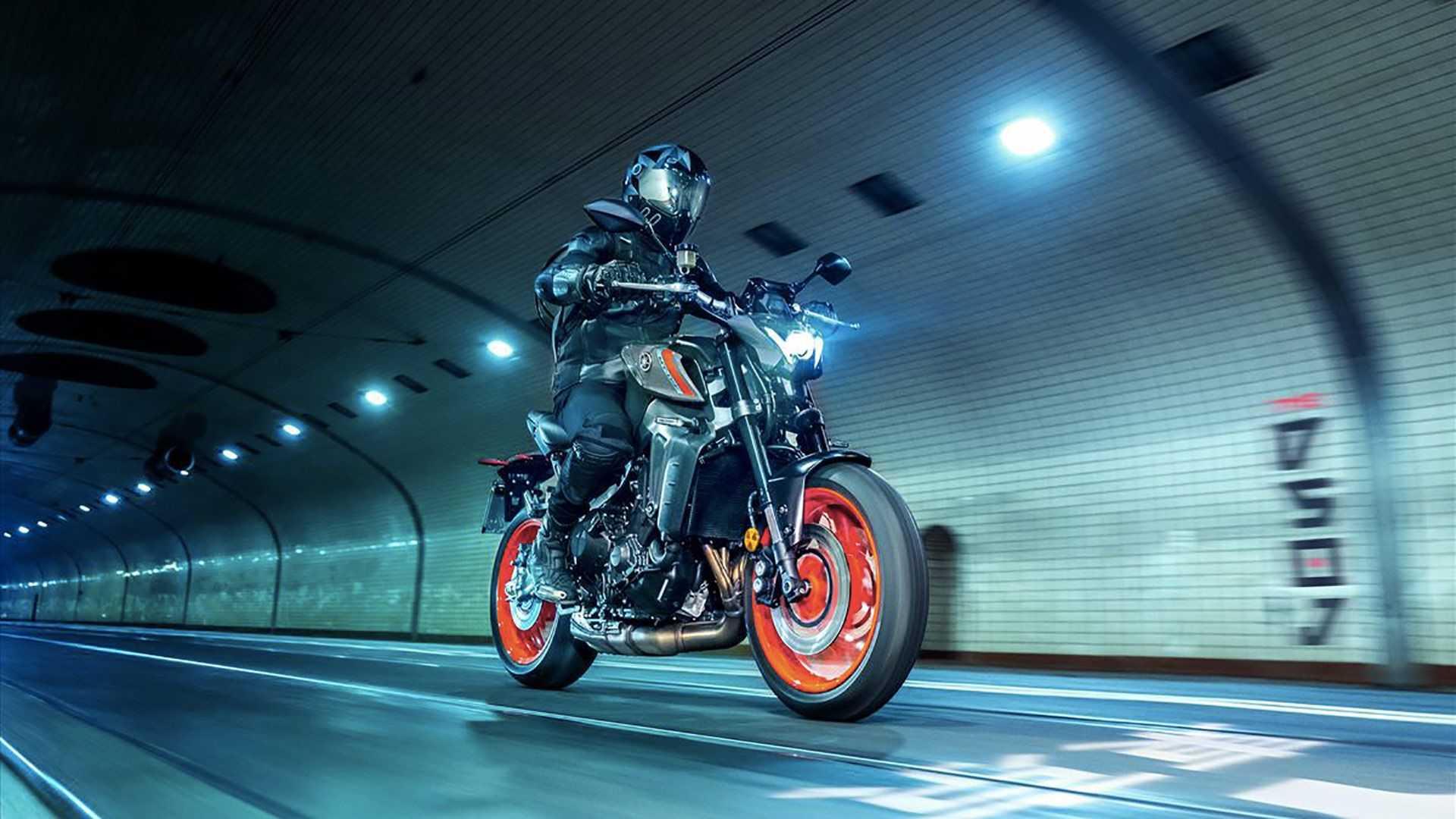 """Yamaha ra mắt 2021 MT-09 theo phong cách """"Quá nhanh quá nguy hiểm"""""""