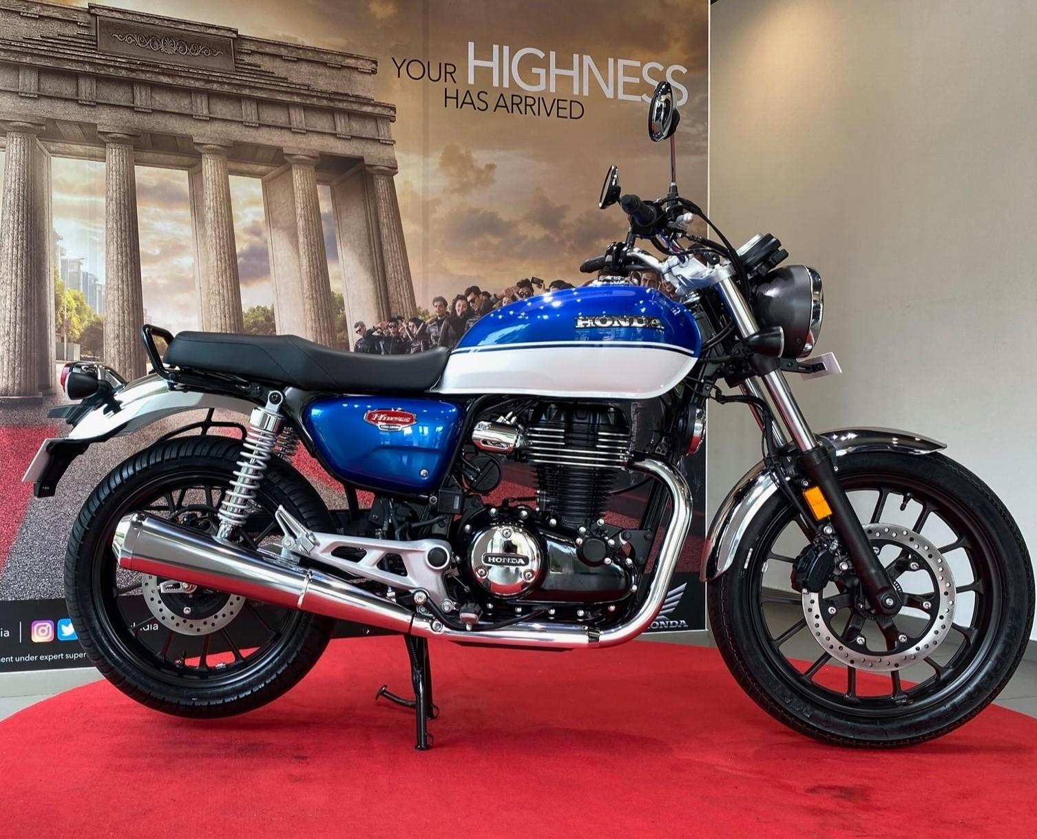 Soi kĩ từng góc cạnh Honda H'ness CB350 tại Honda Bigwing Ấn Độ