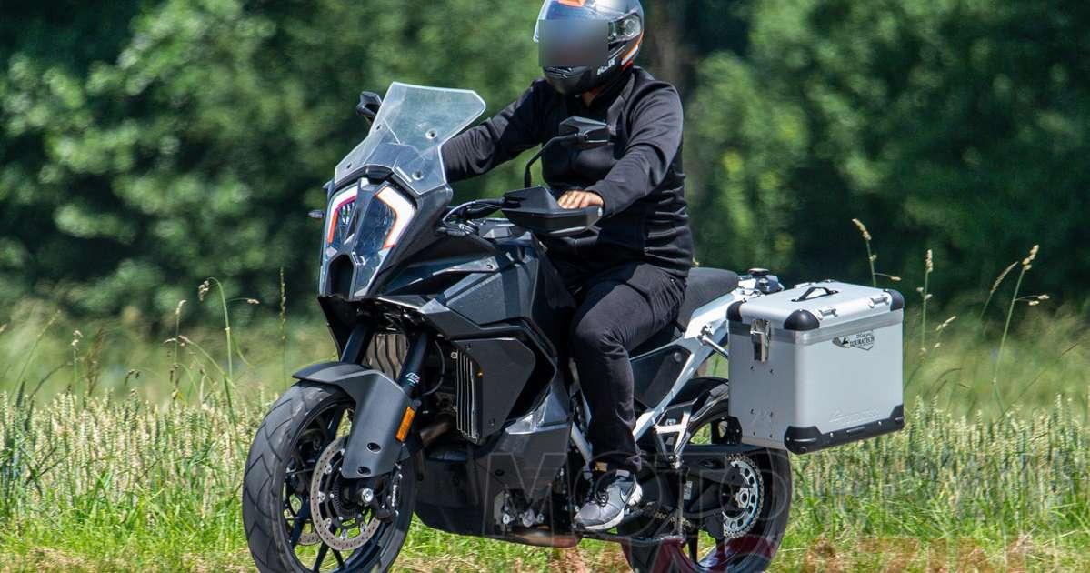 Lộ nhiều thông tin về siêu phẩm mới đến từ KTM: 1290 Super Adventure R và S