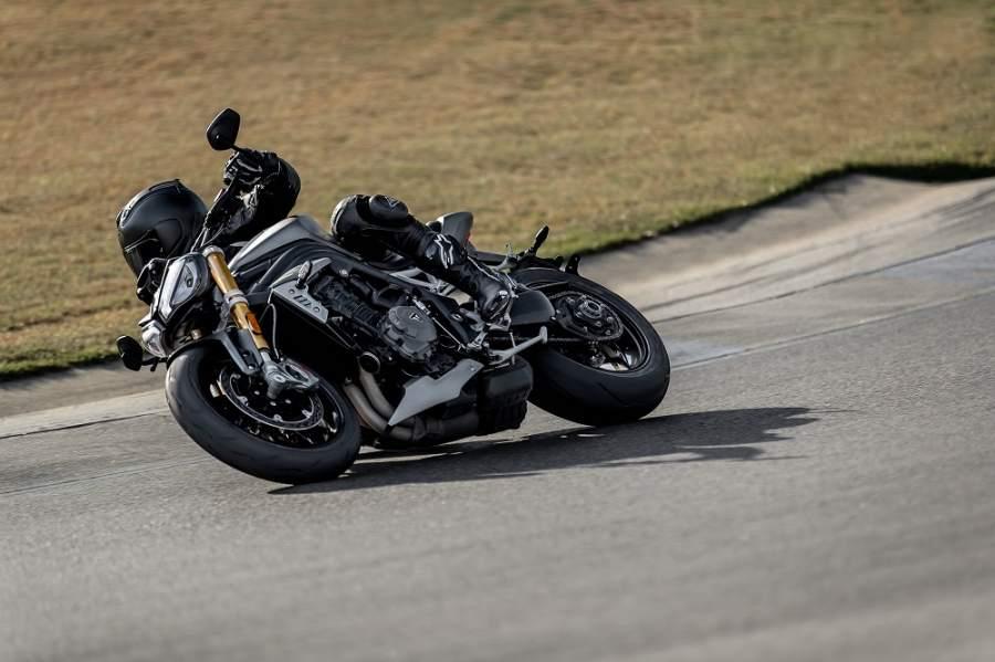 Triumph ra mắt Speed Triple 1200 RS 2021 - Siêu nhẹ nhưng cực kỳ mạnh mẽ!