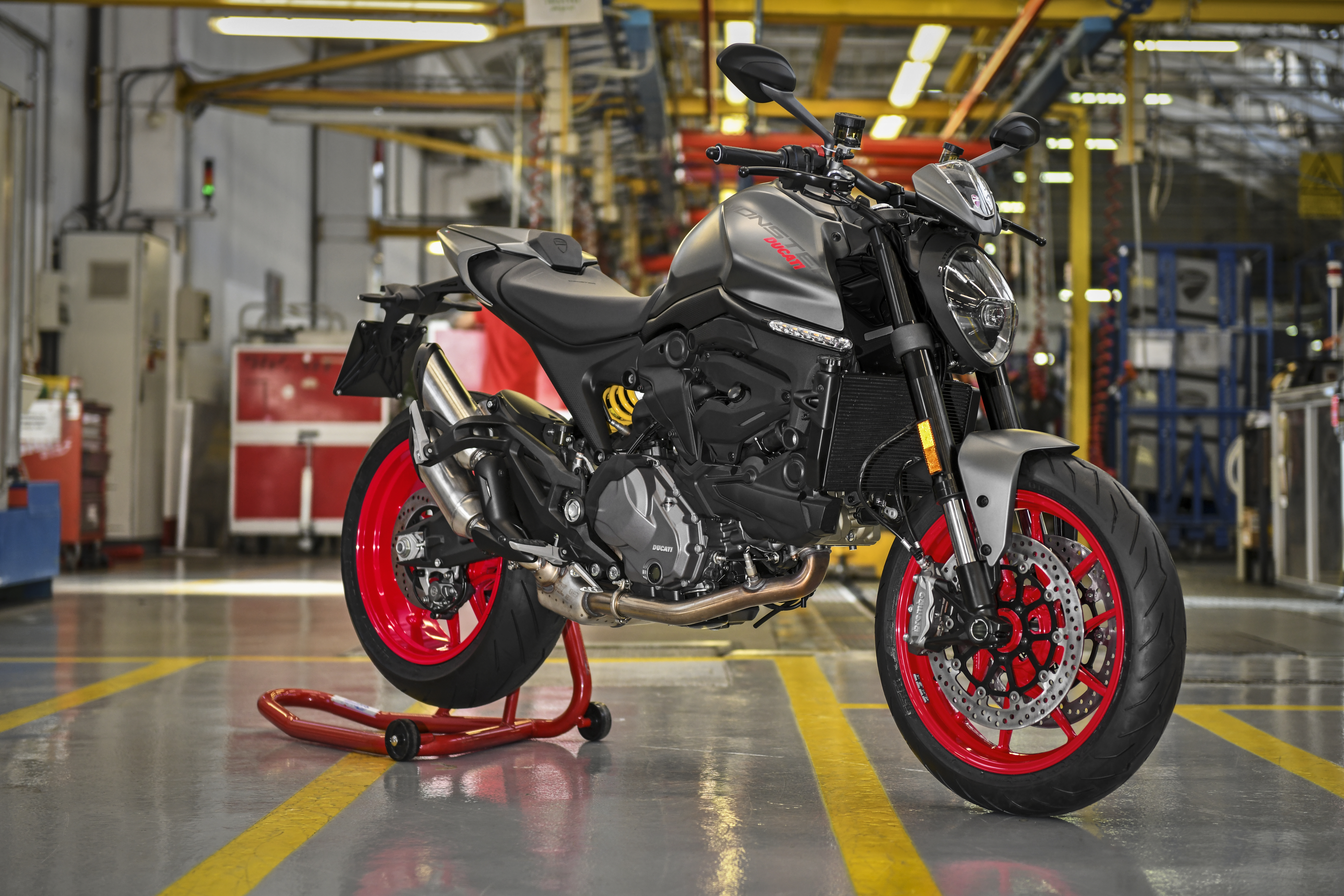 """Ducati khởi động cuộc chơi: Chế tạo """"Quái thú mới"""" - The start of a new Monster line!"""