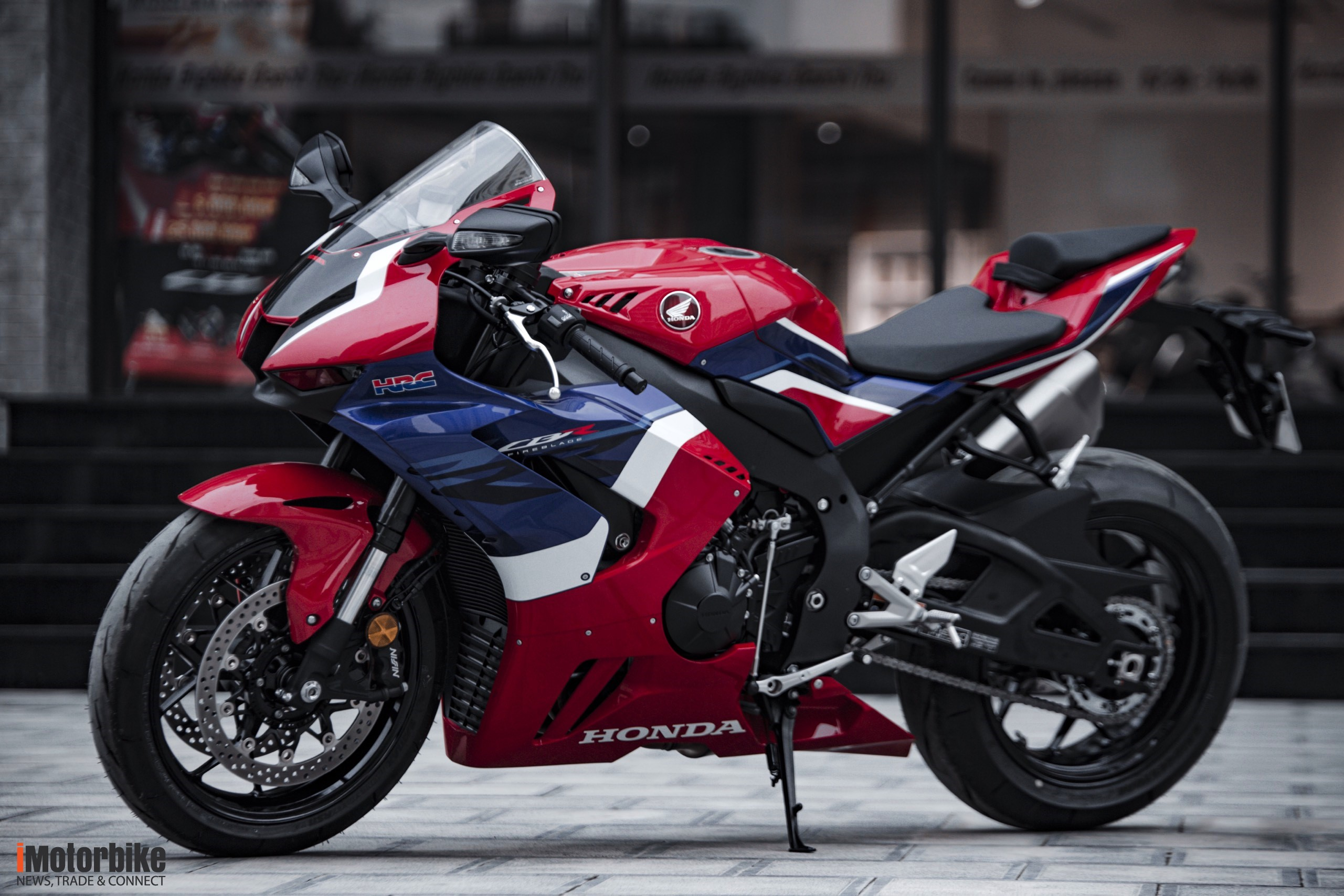 Đánh giá chi tiết Honda CBR1000RR-R Fireblade: Đắt xắt ra miếng